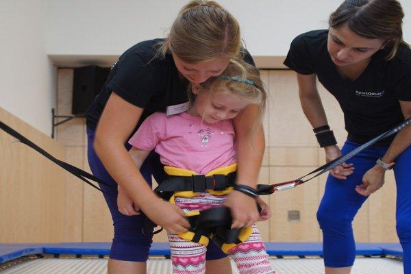 Trampolin und Betreuung im SportQuadrat