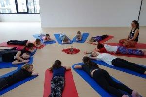 Entspannung beim Kinderyoga beim alwa-Kids-Day im SportQuadrat des TSV 1848 Bietigheim e.V.